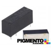 Relé electromagnético 12VDC 8A SPDT (5 pinos) para chassis - Fujitsu JS-12-K